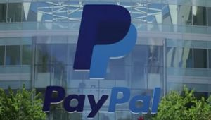 페이팔, 연방 공무원들에게 현금 선지급을 통해 도움 제공