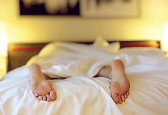 꿀잠 보장! 개운한 숙면 도와주는 8가지 아이템