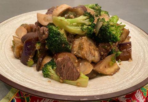 오늘 먹을 게 없다면? 냉장고 털어서 만든 영양 가득 한 접시