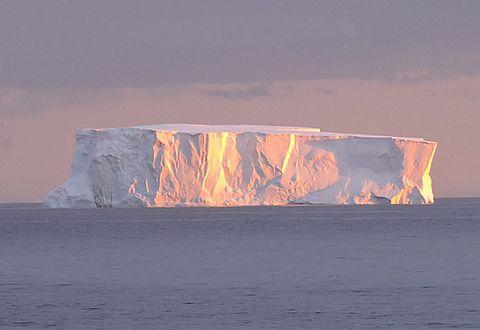 신비로운 남극땅 위에 들어서다