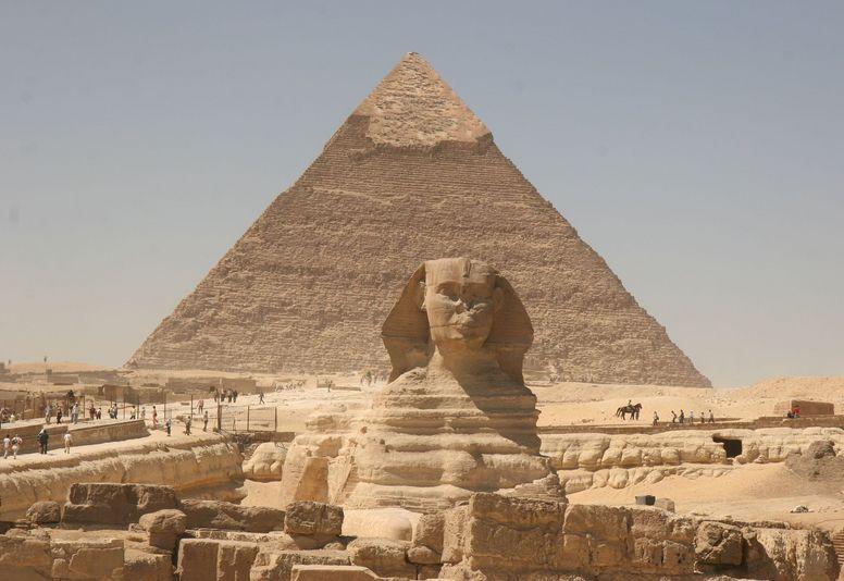 5천 년 된 고대 피라미드와 스핑크스를 만나다